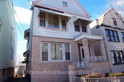 Renovated 2BR Den In Jersey City Heights Western Slopes