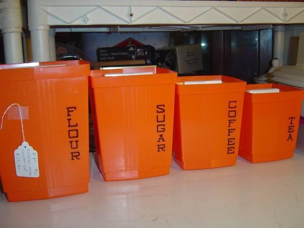 Retro orange kitchen canister set for sale in decatur for Kitchen set orange