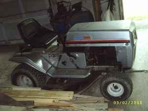 Riding Lawn Mower - $300 (Nicholson)