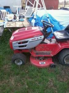 riding lawn mower - $400 middletown