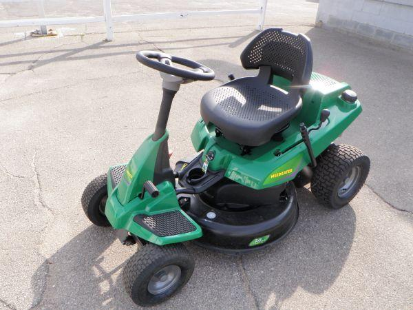 riding lawn mower weedeater riding lawnmower rider LIKE NEW - $799 Plymouth