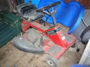 Riding Lawnmower - $150 (Arnold, Md)