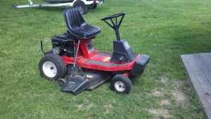 Riding mower statesmen - $550