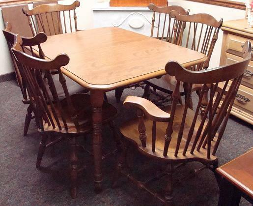 Rockingham Dinette Dining Table W 6 Windsor Chairs