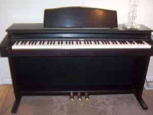 roland electric piano redmond for sale in bend oregon classified. Black Bedroom Furniture Sets. Home Design Ideas
