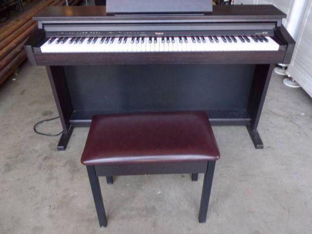 roland hp 237r digital piano with 88 weighted keys for sale in chatsworth california classified. Black Bedroom Furniture Sets. Home Design Ideas