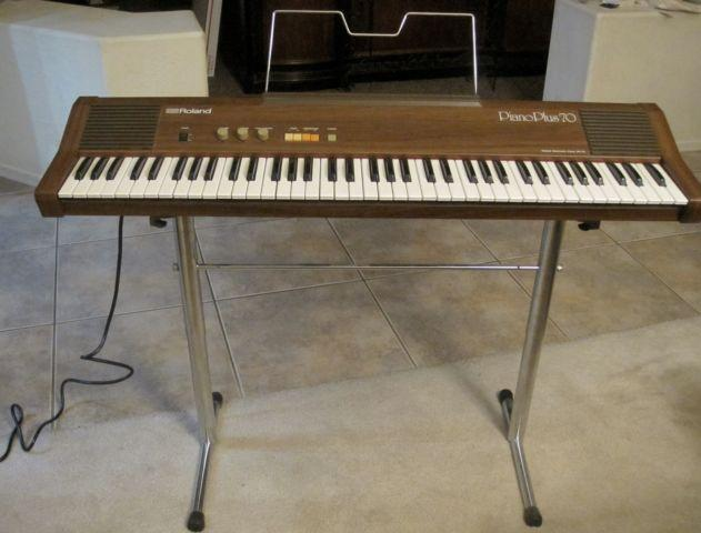 ROLAND HP-70 KEYBOARD HARPSICHORD ELECTRIC PIANO Great