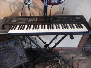 roland keyboard w speaker accessories ocala for sale in ocala florida classified. Black Bedroom Furniture Sets. Home Design Ideas