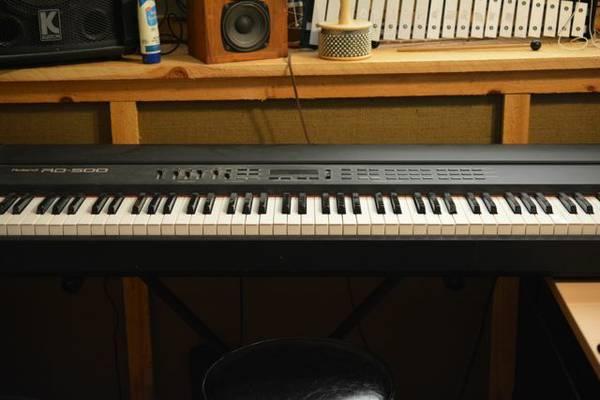 roland rd 500 digital piano for sale in east wareham massachusetts classified. Black Bedroom Furniture Sets. Home Design Ideas