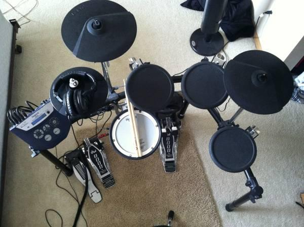 roland td 4 drum set w accessories for sale in new orleans louisiana classified. Black Bedroom Furniture Sets. Home Design Ideas