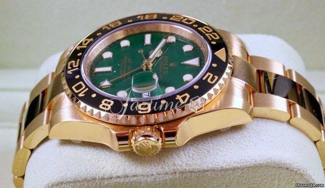 Rolex GMT-Master II 116718 LN 40mm Green 18k Yellow Gold 2015