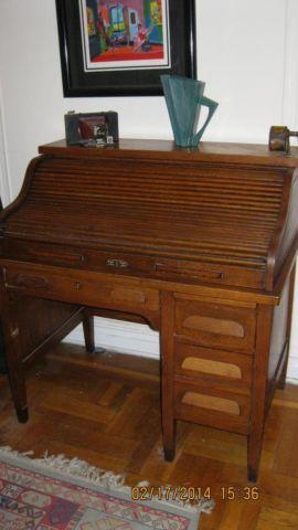 Roll-Top Solid Oak Desk c. early 1900s Antique
