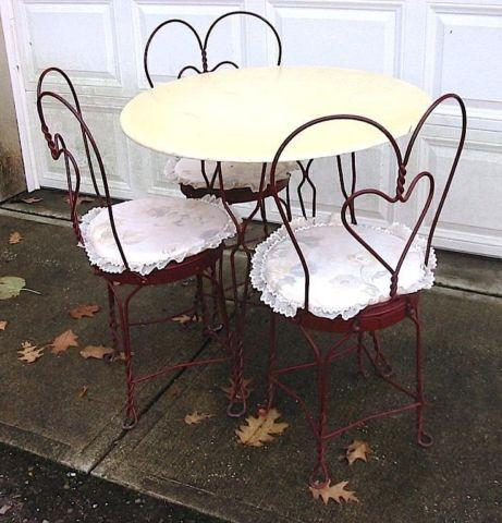 Romantic Vintage Red Painted 50s Ice Cream Parlor Table  Chairs Set