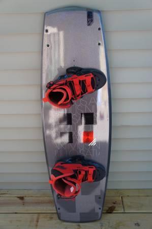 Ronix Viva 136 Wakeboard with Byerly Verdict Bindings - $350