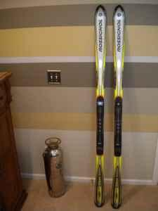ROSSIGNOL POWER 9X SKIS - $150 (PARKER)