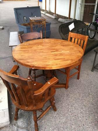 round butcher block table for sale in missoula montana classified. Black Bedroom Furniture Sets. Home Design Ideas