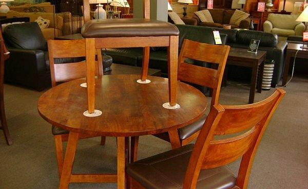 Round Dining Set w 4 Chairs McKnight Rd N Hills for