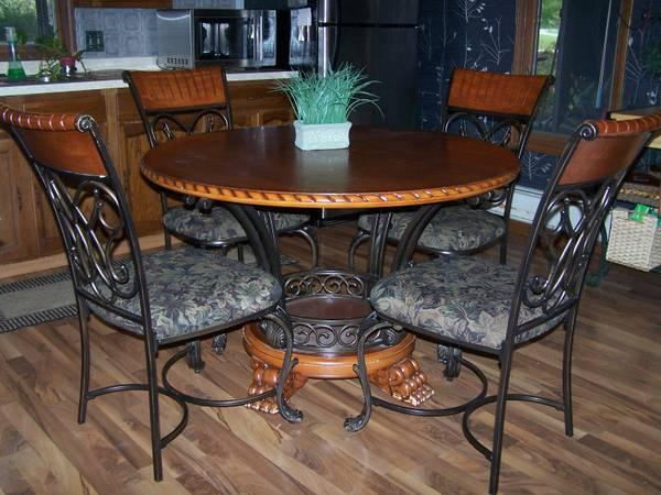 round kitchen dining room table chairs for sale in