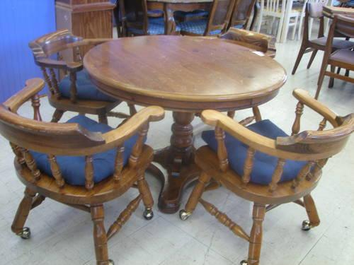 Round Pine Pedestal Table With 4 Chairs For Sale In Fort