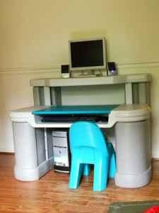 Rubbermaid Kids Computer Desk Lake Anna For Sale In