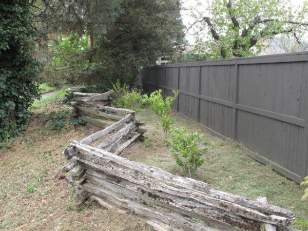 Rustic Stacked Wooden Fence Split Rail 200 Feet Obo