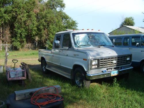rv tow truck van/ truck ford 1982