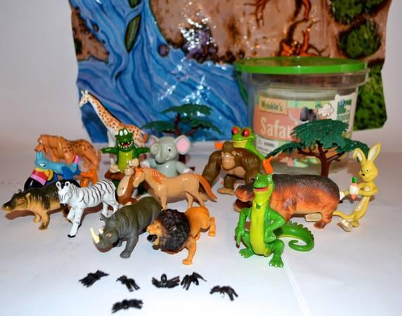 SAFARI TO GO -GREAT LOT ARTICULATED SMALL FIGURES