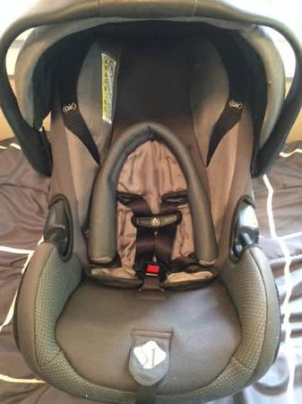 Safety First 1st infant car seat and 2 bases - $20
