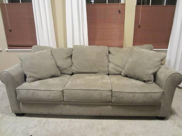 Sage 7 Ft Fabric Sofa   Excellent Cond For Sale In San Mateo, California