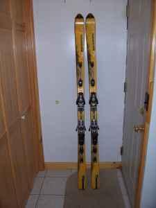 Salomon Xscream Series Skis 187 cm with Salomon Bindings