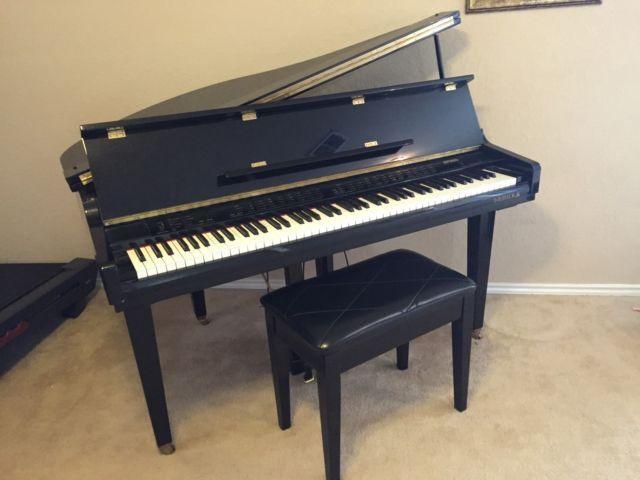 Samick Digital Baby Grand Piano For Sale In San Antonio