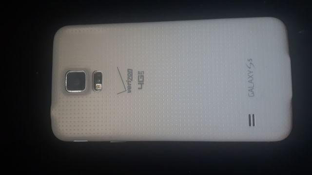 >>**SAMSUNG Galaxy S5 FOR SALE!!**<<
