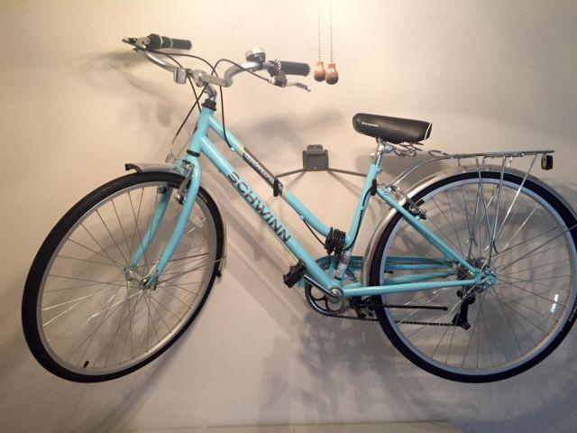 Schwinn Admiral 700c Women's Hybrid Bicycle Like New w/Extras