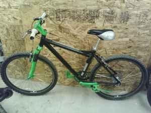 schwinn mtn bike - (eugene/veneta) for Sale in Eugene