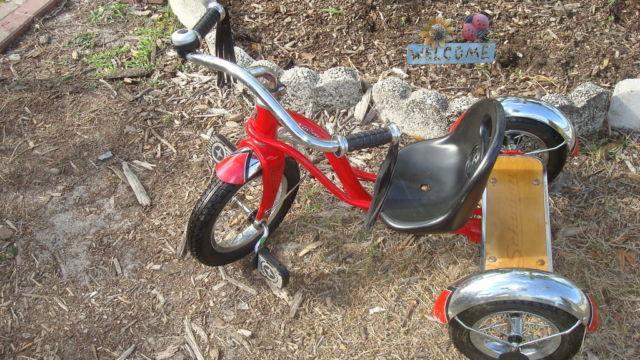 528c74c2ffb Schwinn Roadster Trike - Classic low Tricycle for Kids for sale in Saint  Cloud, Florida