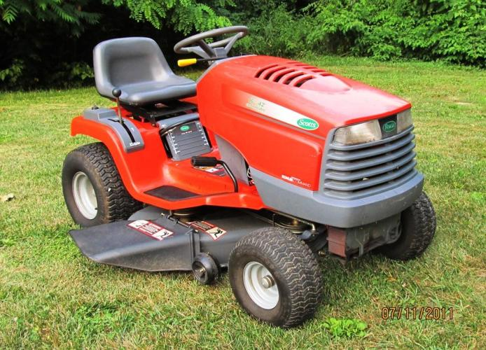 Scotts Riding Mower 16hp 42 Cut Hydro Works Great Local