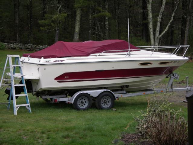 SEA RAY BOAT AND TRAILER 21'