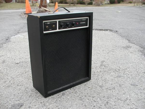 sears bass guitar amp vintage for sale in north versailles pennsylvania classified. Black Bedroom Furniture Sets. Home Design Ideas