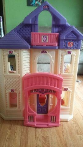 Second step doll house