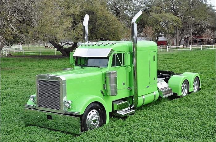 Sell my 2001 Peterbilt 379EXHD