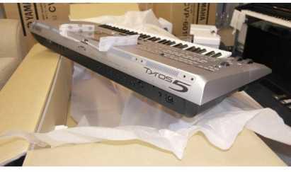 sell new yamaha tyros 5 76 key arranger keyboard for sale in atlanta georgia classified. Black Bedroom Furniture Sets. Home Design Ideas
