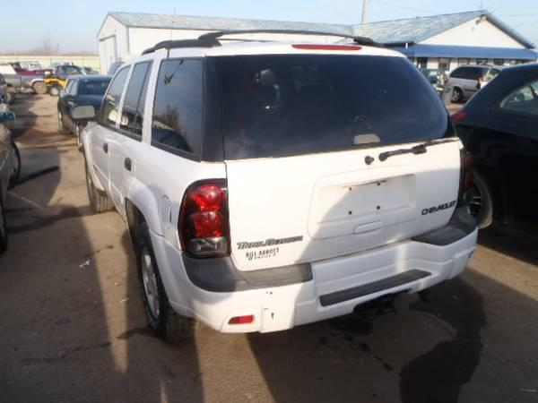SELLING A 02 03 TRAILBLAZER TRUNK / HATCH / TAILGATE -
