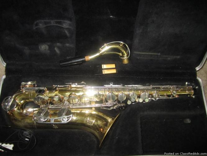 SELMER BUNDY TENOR SAXOPHONE Bf w HARD CASE. EXC. COND. JUST REFURBISHED