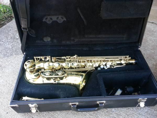 Selmer Omega Alto Saxophone MG288 - $200