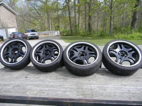 set of 2 22 and 2 20 inch black wheels w low profile tires for sale in somerset kentucky. Black Bedroom Furniture Sets. Home Design Ideas