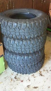 Set of 4 All-Terrain Mud Tires 285/75/r16
