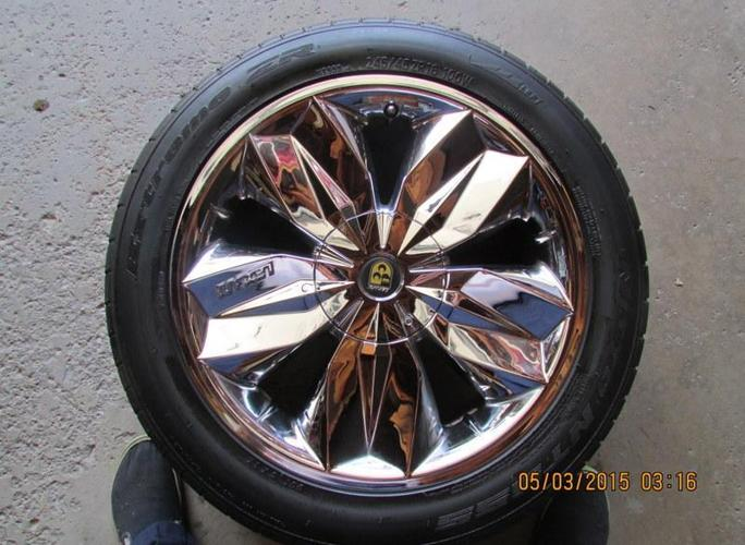 Set of 4 Lexani Chrome Wheels and Tires