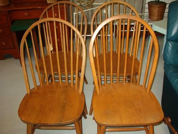 Set of 4 Solid Oak Bow Back Windsor Style Chairs. - $89