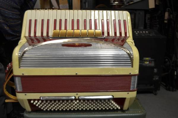 settimio soprani accordion contino model made in italy for sale in philadelphia pennsylvania. Black Bedroom Furniture Sets. Home Design Ideas