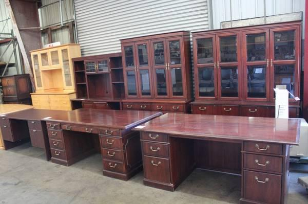 Several Sets To Choose From Desk Credenza And Hutch